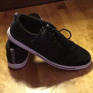 Men's Under Armour size 13 shoes-black